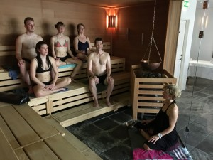 Meditation i sauna, Hvidbjerg Strand Campings wellness center.